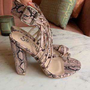 Miss Lola Pink Snake Print Heels 6.5 Worn once 💕